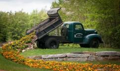 Lehet-e családi ház kertjében teherautót tárolni?